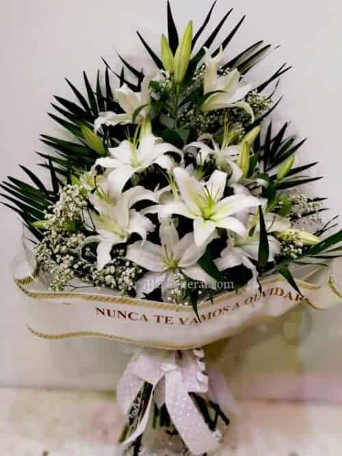 Ramo de flores para funeral liliums