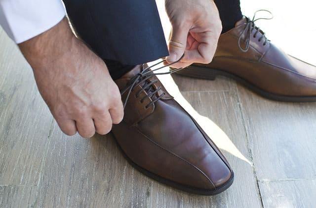 Como vestirse para un funeral zapatos