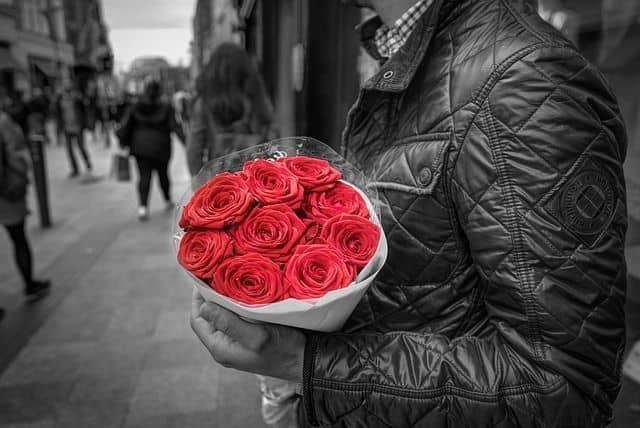 Rosas rojas para funerales