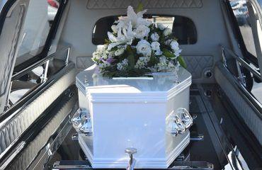 significado funeral entierro y cremacion