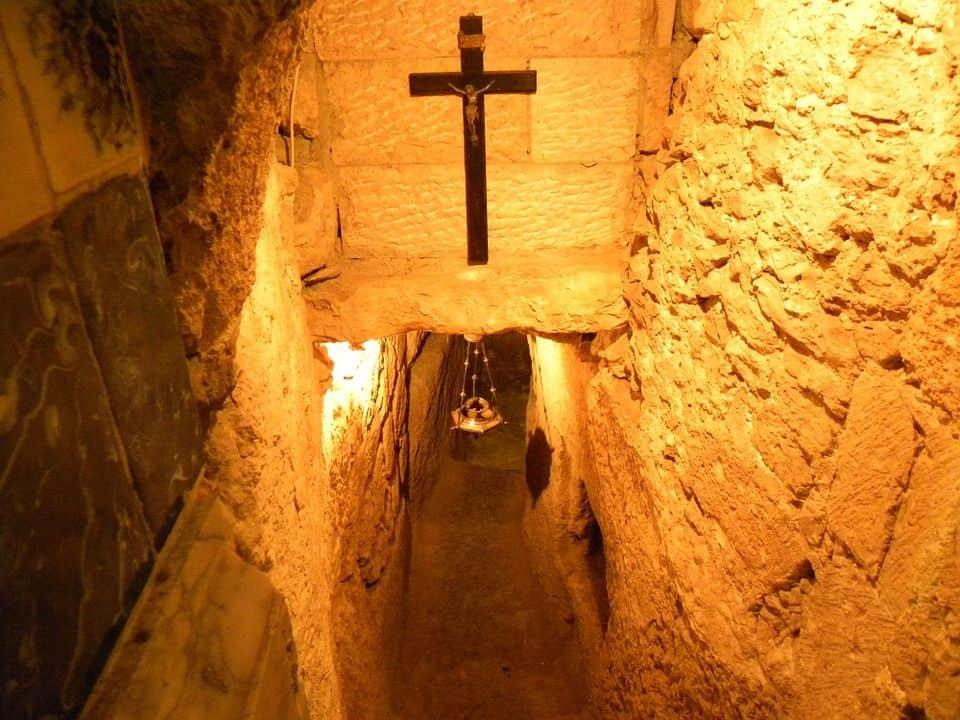 cripta funeraria antigua