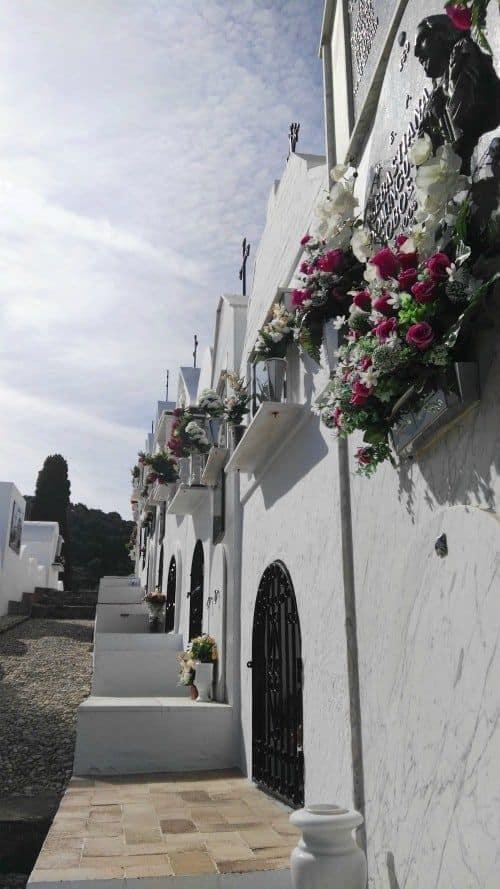Cementerio de Casabermeja calles estrechas