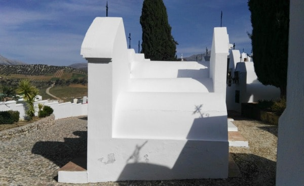 Cementerio de Casabermeja, tumbas o nichos redondos