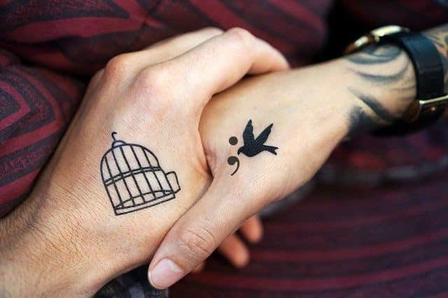significado del tatuaje punto y coma