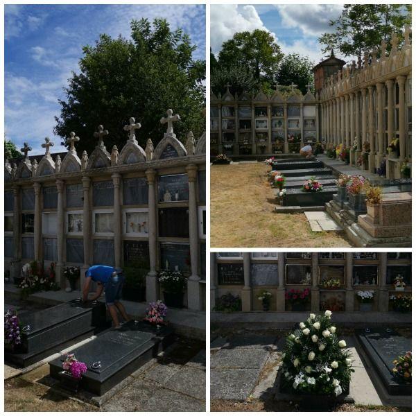 Cementerio de Lavacolla, imagen del mantenimiento del cementerio cambiando centros de flores fúnebres para difuntos y limpieza de sus sepulturas